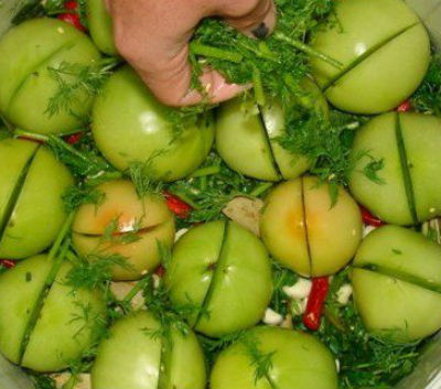 solenye-pomidory-na-zimu-v-bankah3
