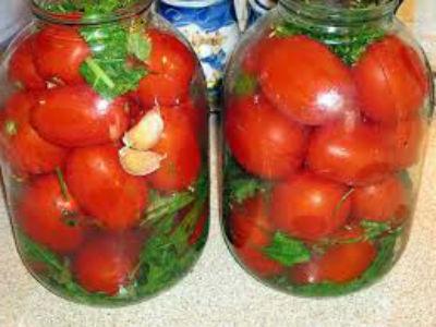 solenye-pomidory-na-zimu-v-bankah8