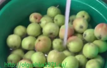 Вкусный яблочный компот на зиму.