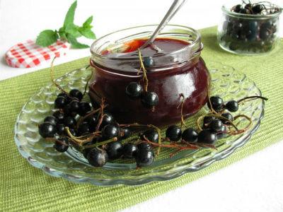 ghele-iz-chernoj-smorodiny-recept-na-zimu1