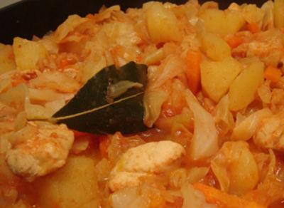 Как тушить капусту на сковороде - рецепты