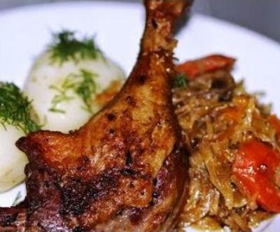 Утка с квашеной капустой в духовке - рецепты приготовления