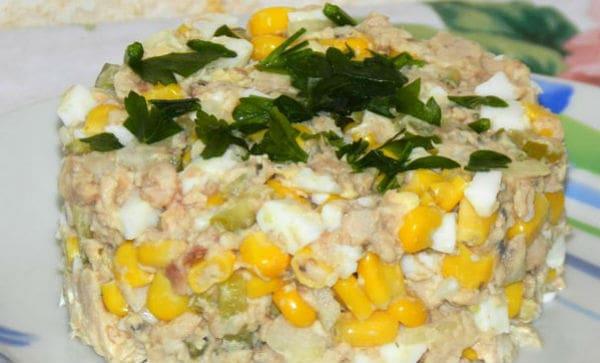 Вкусные рецепты салатов из рыбной консервы
