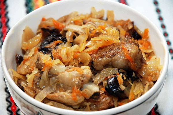 Бигус со свежей капустой, рецепты с мясом