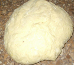 Тесто на пирожки на кислом молоке, на дрожжах, для жареных и печёных пирожков